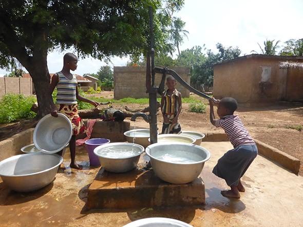 Différents domaines sont connexes de l'accès à l'eau